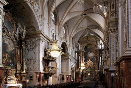 Franziskanerkirche, Wenen. Interieur © CC BY-SA 3.0 © Bwag/Commons (wikipedia)